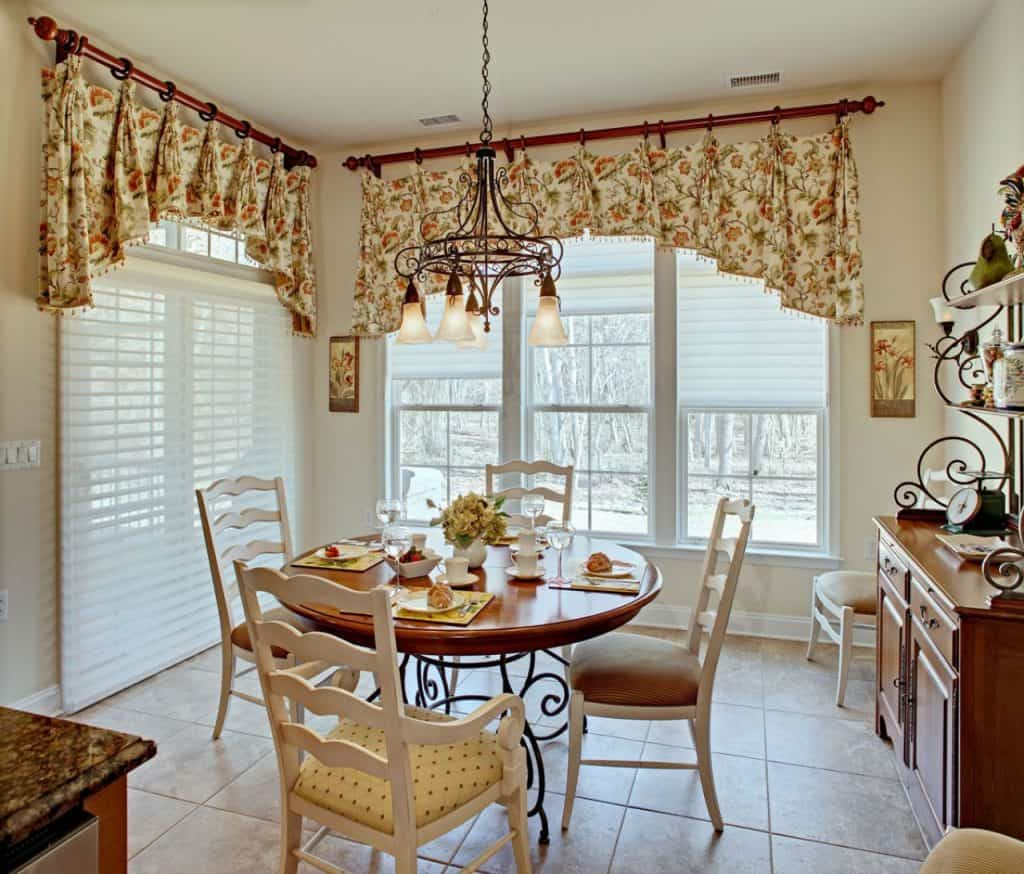 French Country Kitchen Curtains: 7 Budget Friendly Kitchen Curtain Ideas For Homeowners